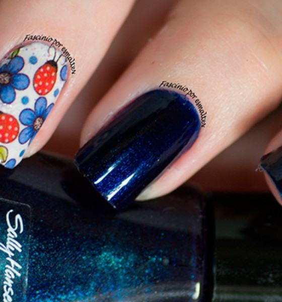 Sally Hansen – Blazing Blue e joaninhas
