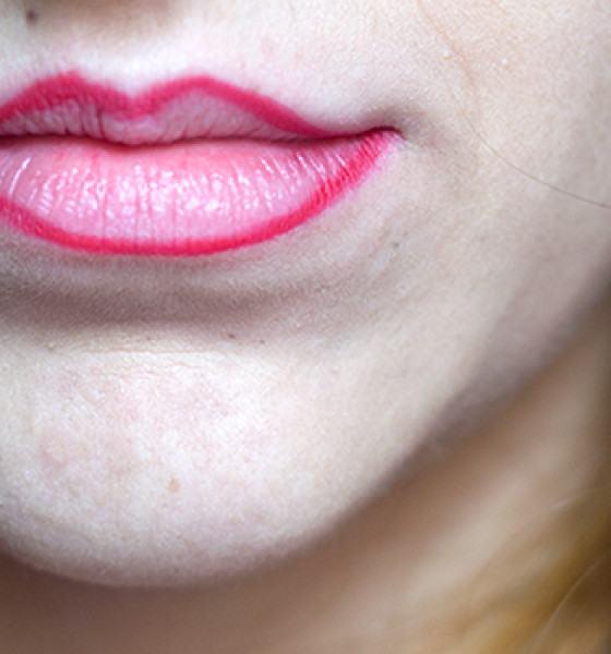 Mori Makeup – Lapiseira Retrátil para Lábios – Vermelho