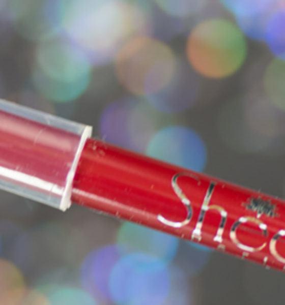 Sheer – Lápis Delineador para Lábios – Vermelho